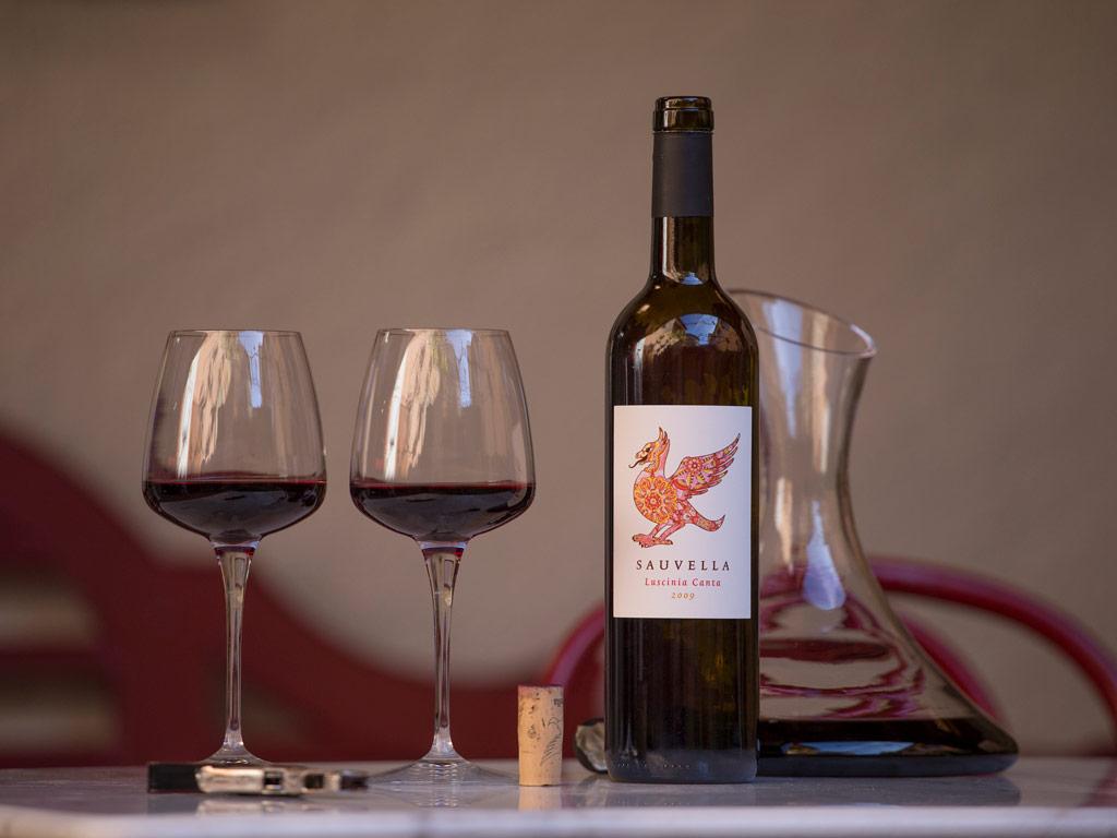 Biologische wijnmaker Sauvella karaf en glazen