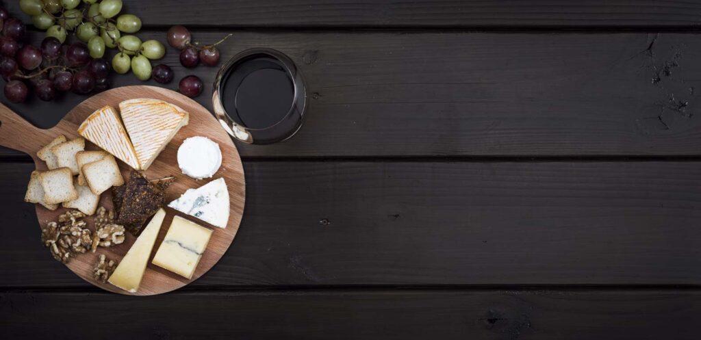 Biologische wijn bij kaas